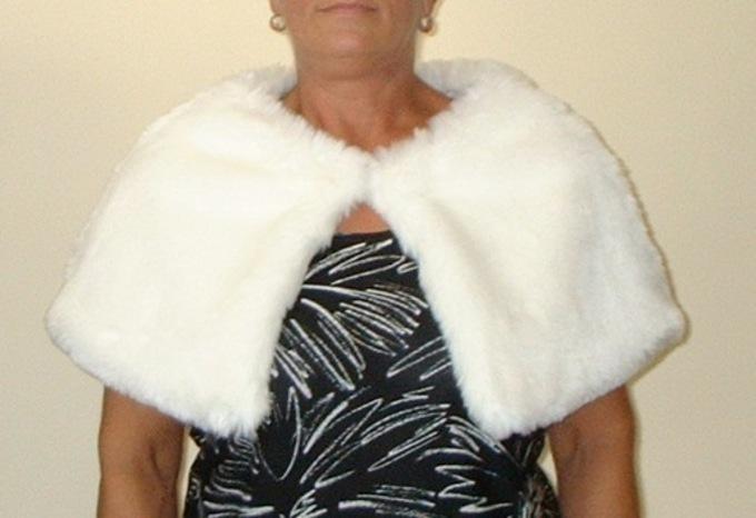 Marilyn Faux Fur Capelet