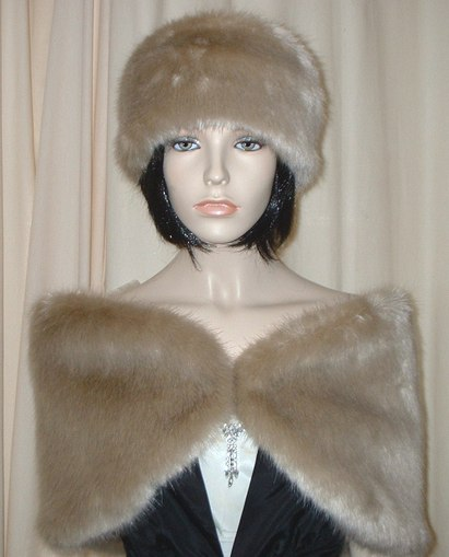 Honey Blonde Faux Fur Wrap