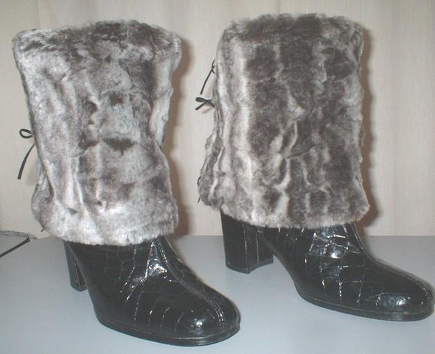 Vintage Silver Astra Faux Fur Boot Wraps