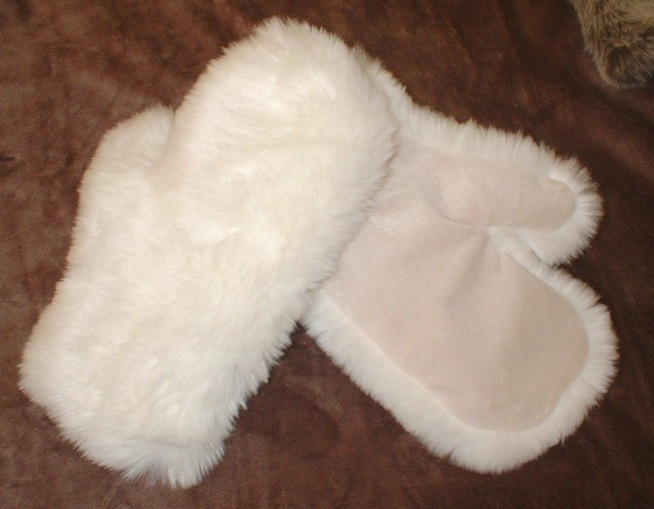Marilyn Faux Fur Mittens