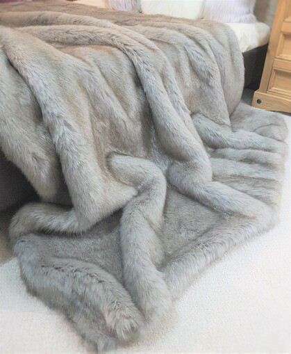 SALE Tissavel Tundra Wolf Grey Faux Fur Throw with Graphite Velboa